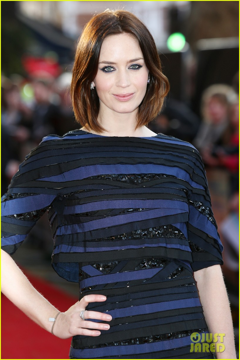 emily blunt salmon fishing london premiere 012647241