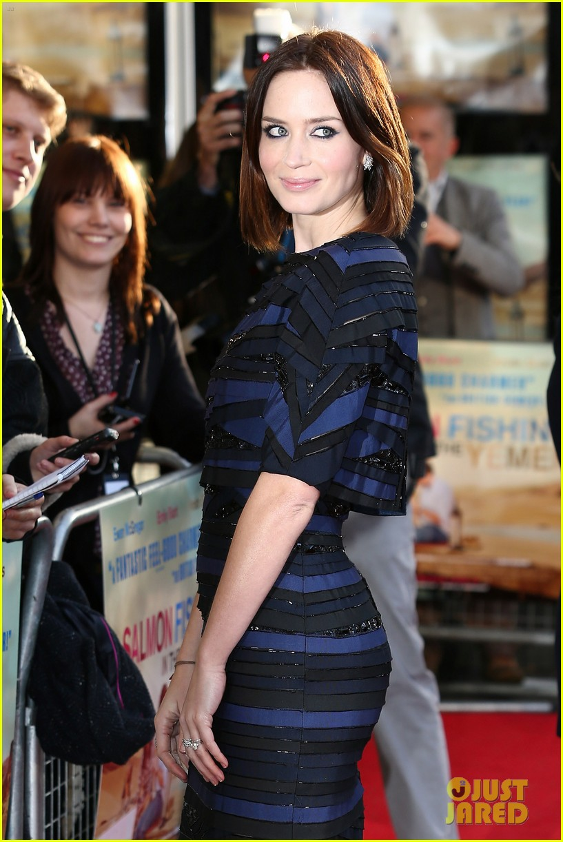 emily blunt salmon fishing london premiere 222647262