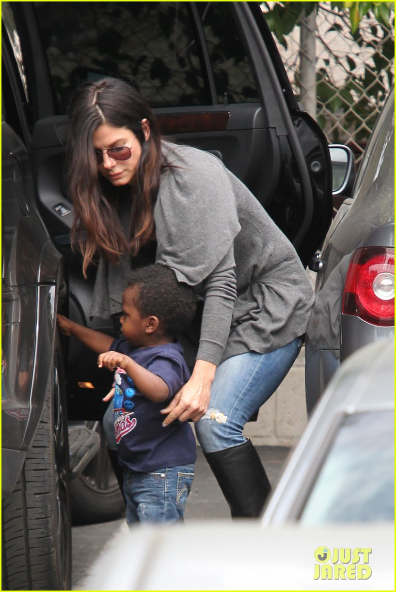 sandra bullock shopping trip with louis 042653573
