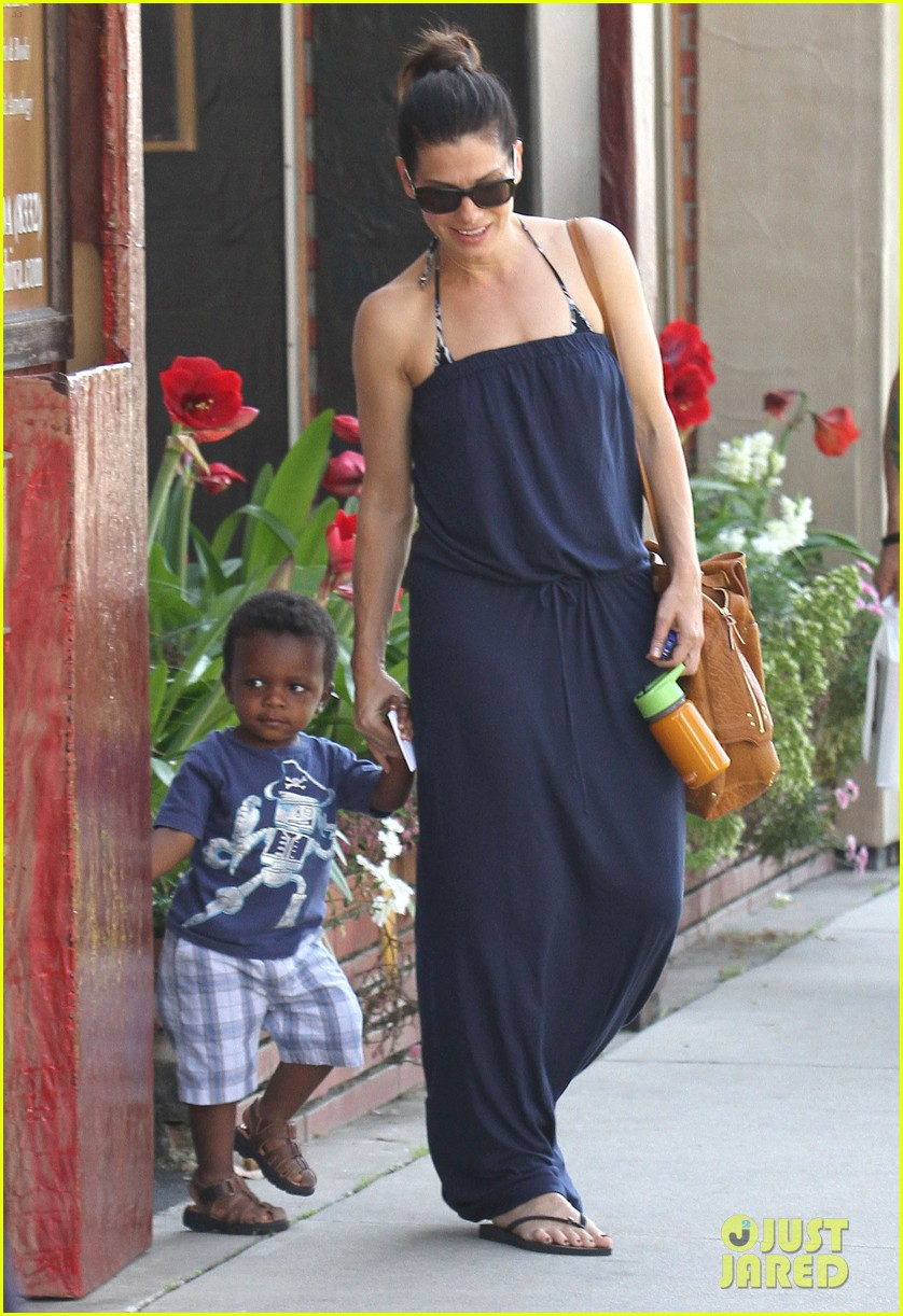 sandra bullock louis shopping 02