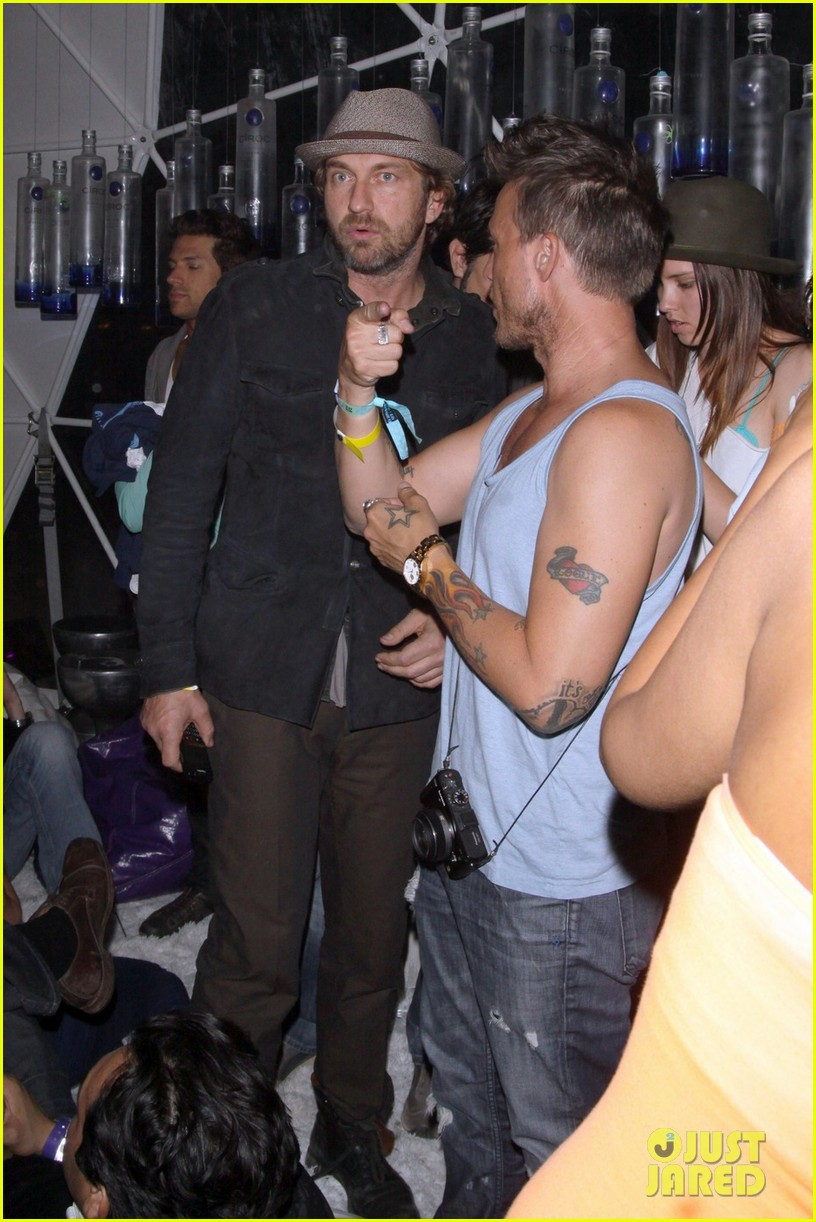 gerard butler coachella after party 03