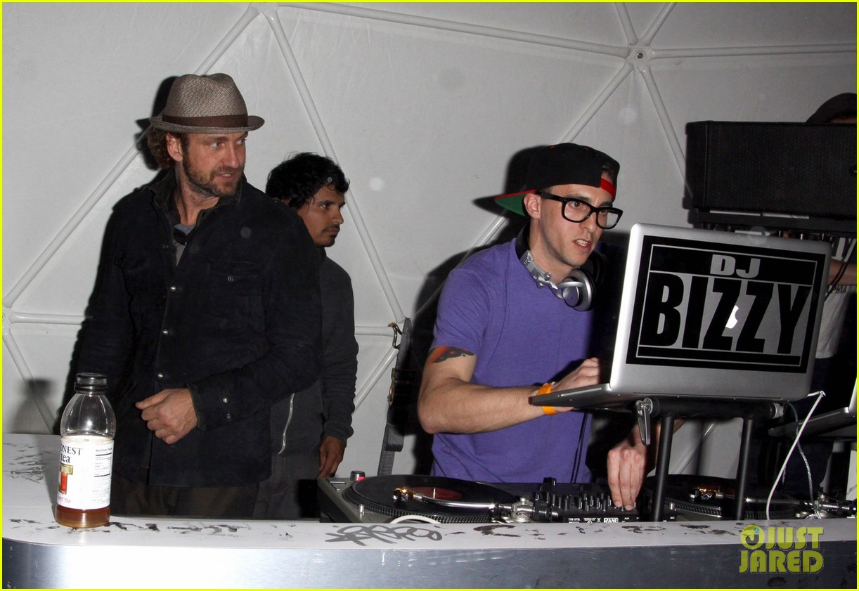 gerard butler coachella after party 04