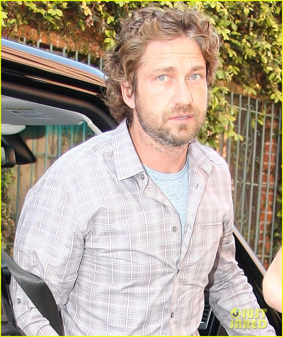 gerard butler medical office 04