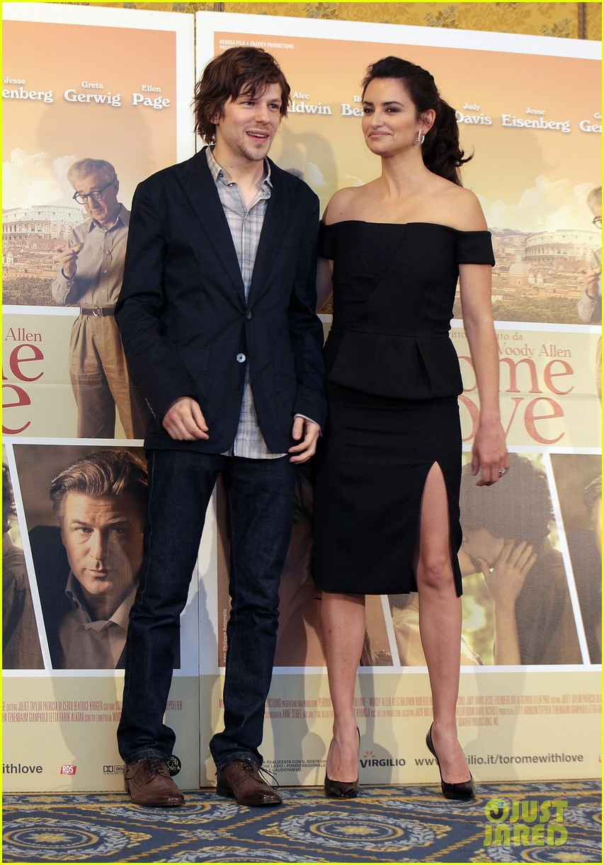 penelope cruz to rome with love photocall 03