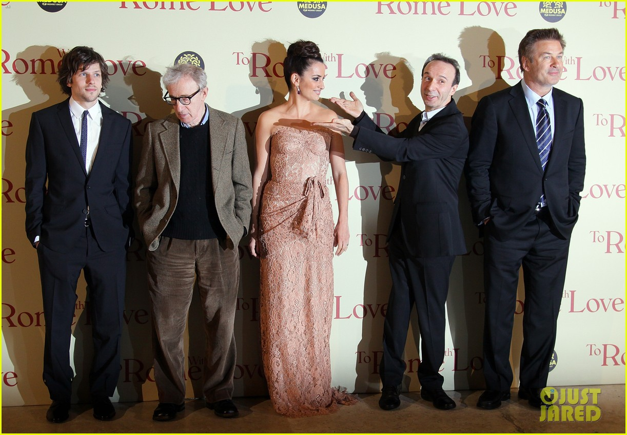 penelope cruz rome with love premiere 03