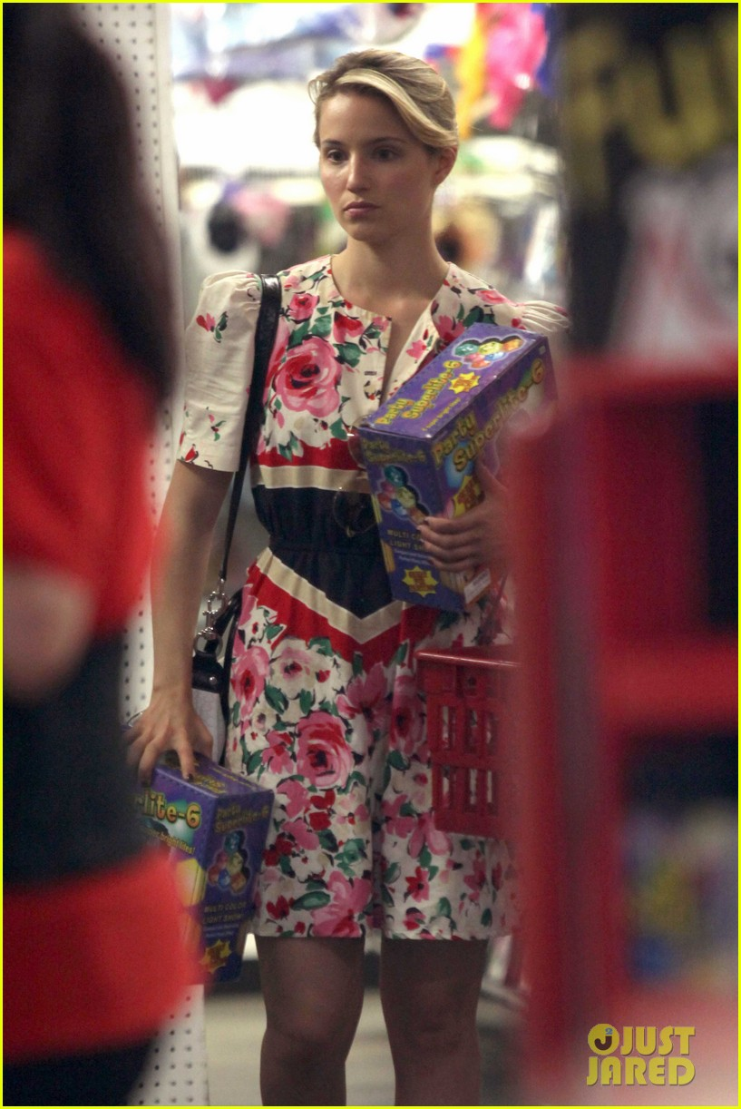 dianna agron party supplies 01