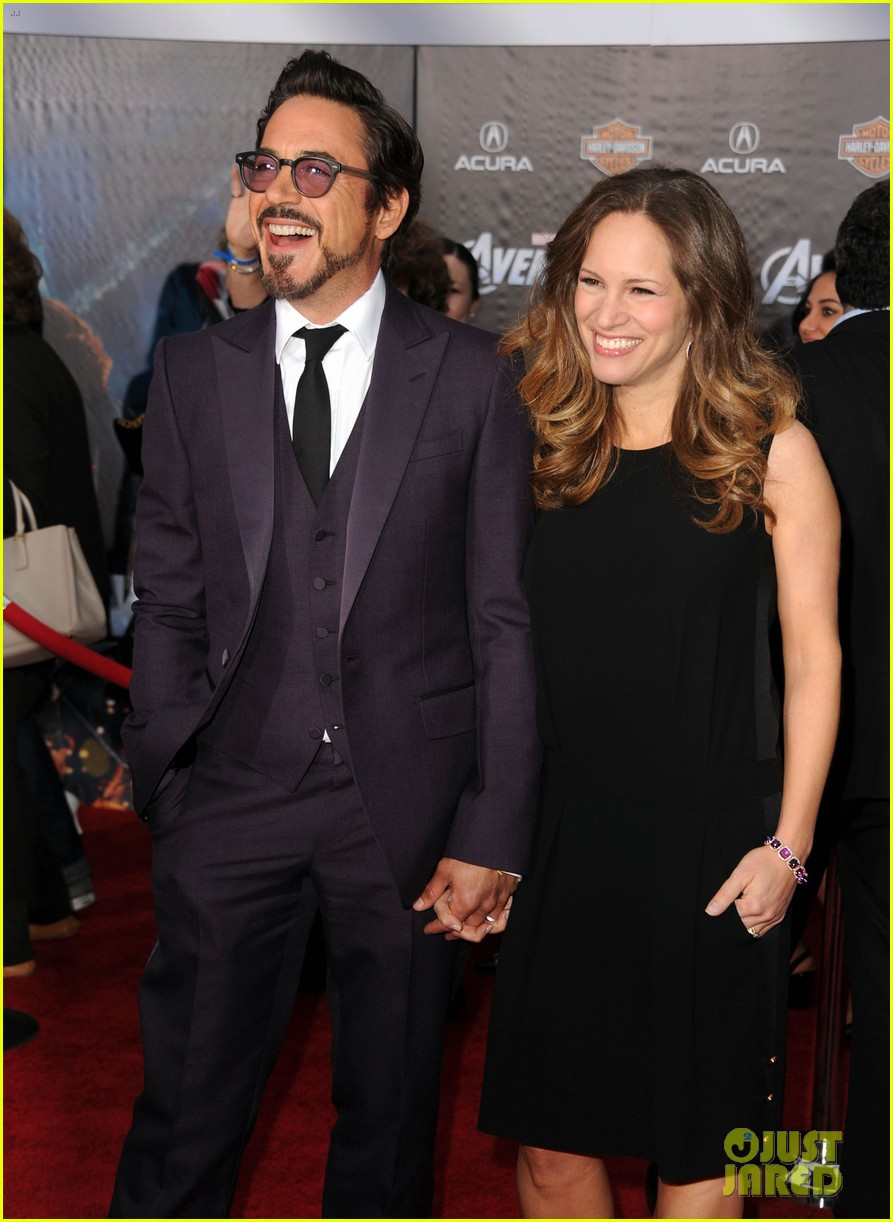 robert downey jr avengers premiere with wife susan 09