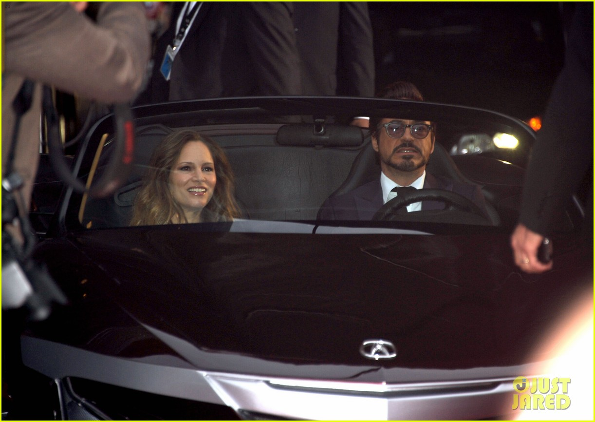 robert downey jr avengers premiere with wife susan 18