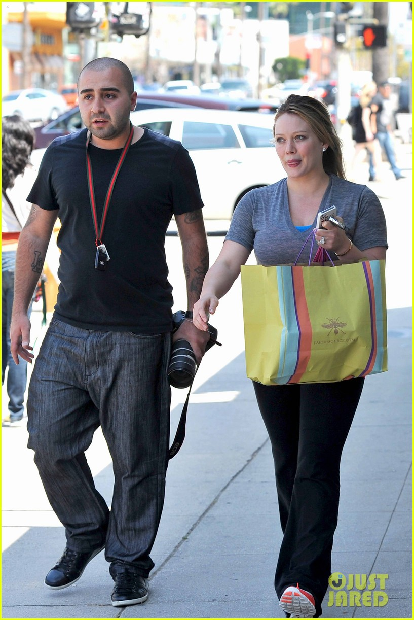 hilary duff running errands 12
