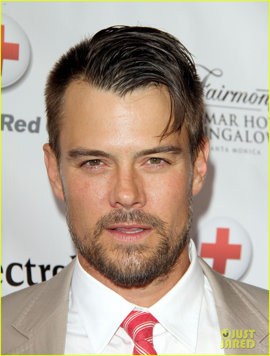 josh duhamel christa b allen red tie affair gala 07