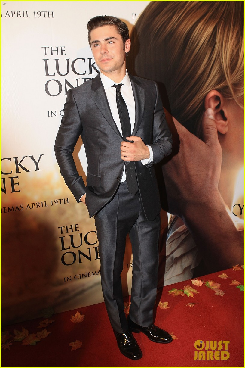 zac efron lucky one melbourne premiere with taylor schilling 03