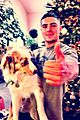 zac efron shows off puppy the dog 03