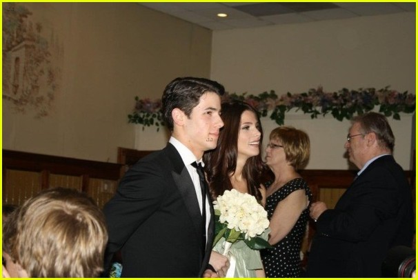 ashley greene nick jonas walk down aisle 02