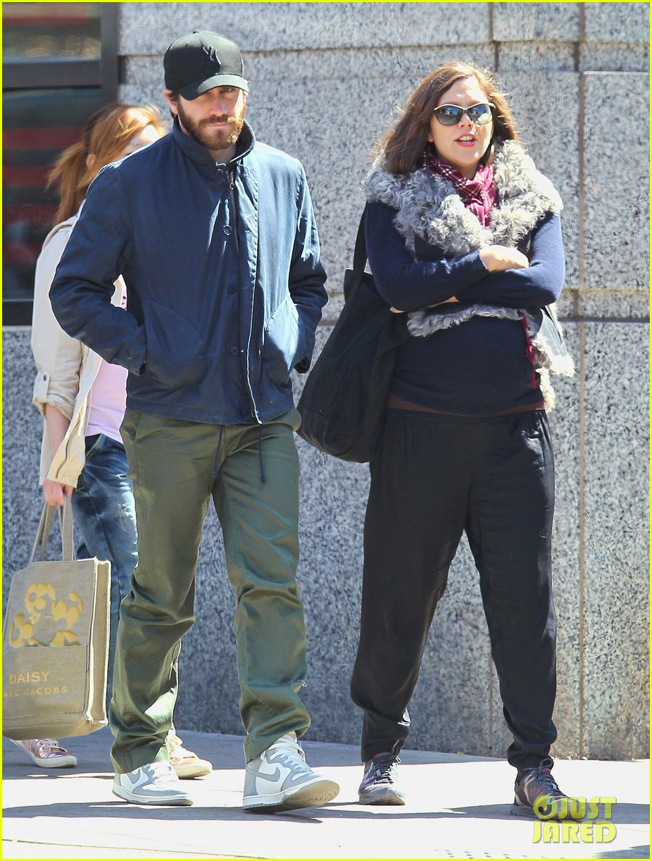 jake gyllenhaal lunch with maggie 02