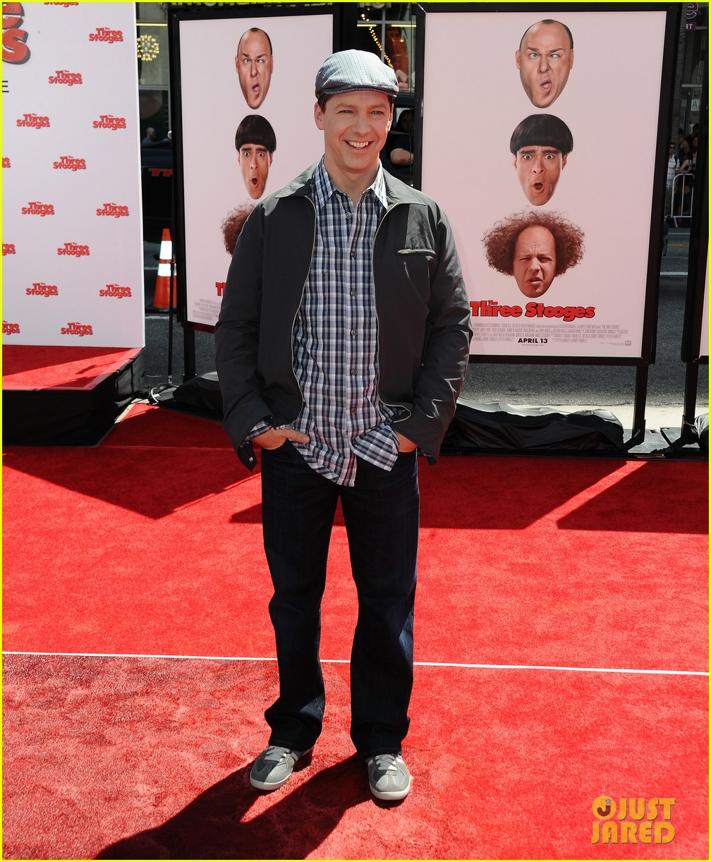 sean hayes jane lynch three stooges premiere 012646410