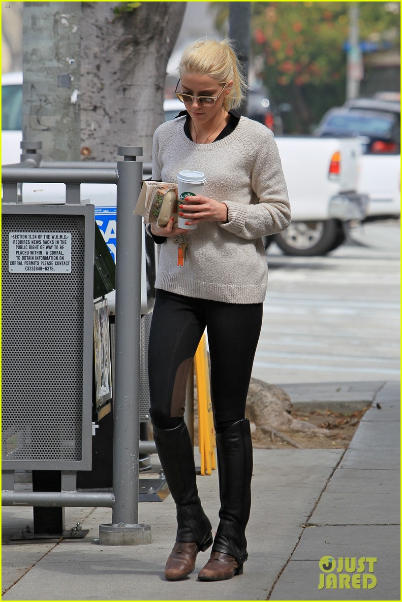 amber heard coffee sandwich stop 01
