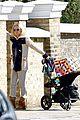 kate hudson visiting gwyneth 03