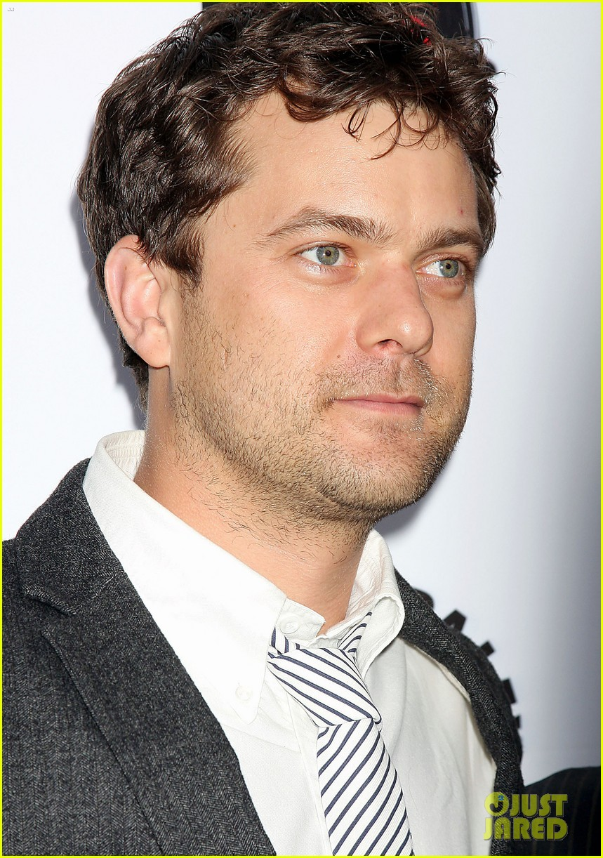 joshua jackson justin chatwin out box 052648641