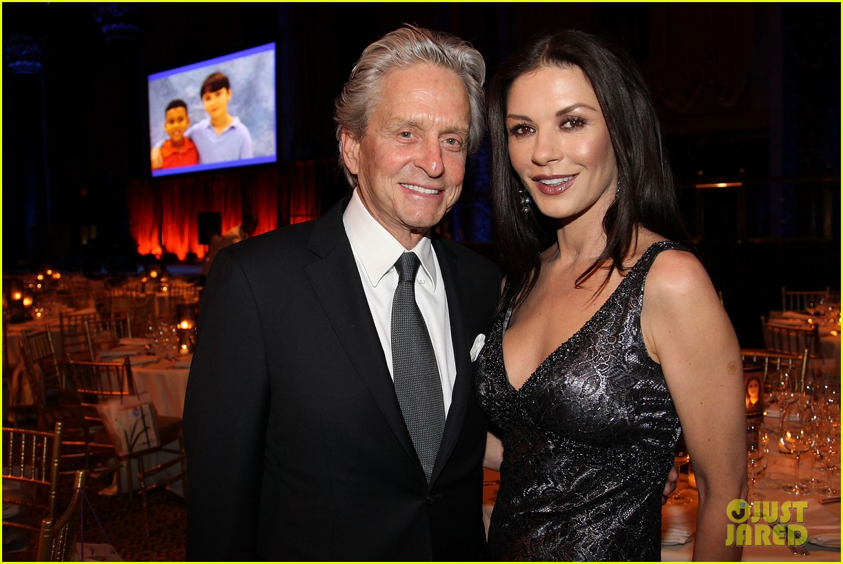 catherine zeta jones michael douglas windward benefit 01