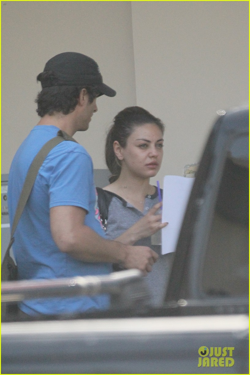 mila kunis gym nails 06
