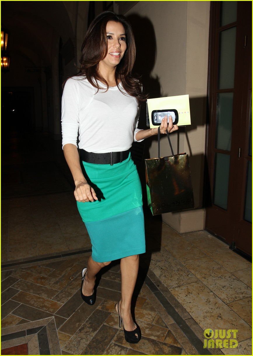 eva longoria birthday dinner 01
