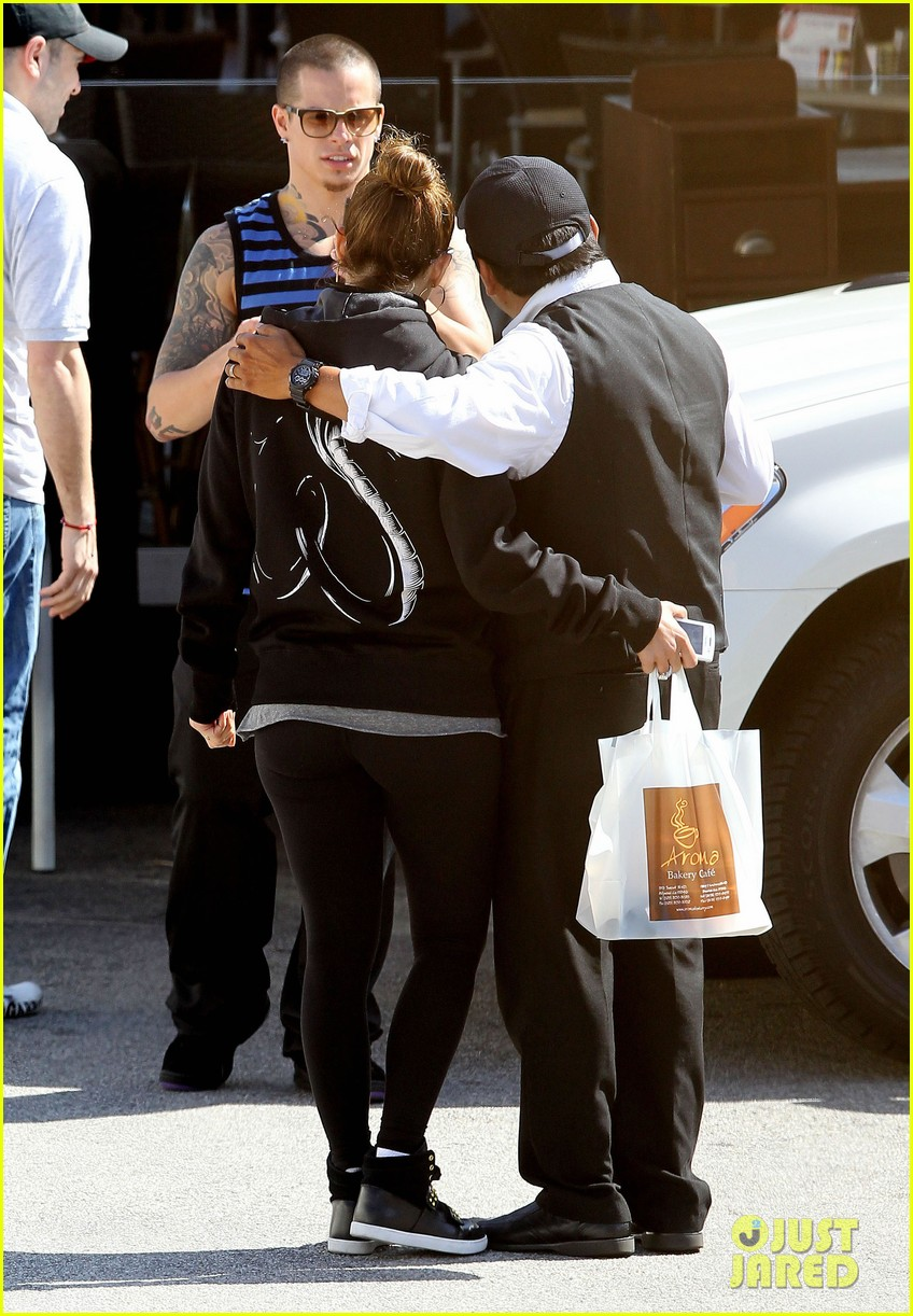jennifer lopez casper smart lovebirds at lunch 23