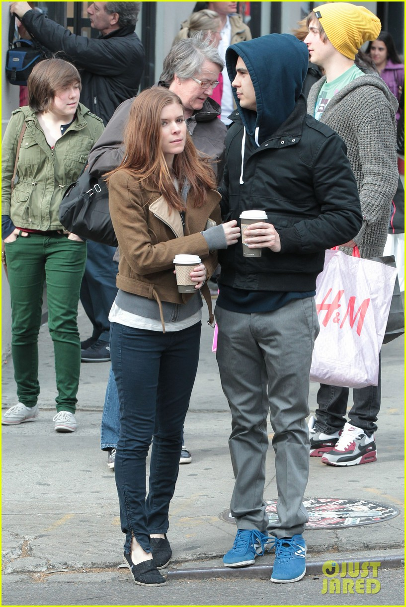 kate mara max minghella hold hands 03