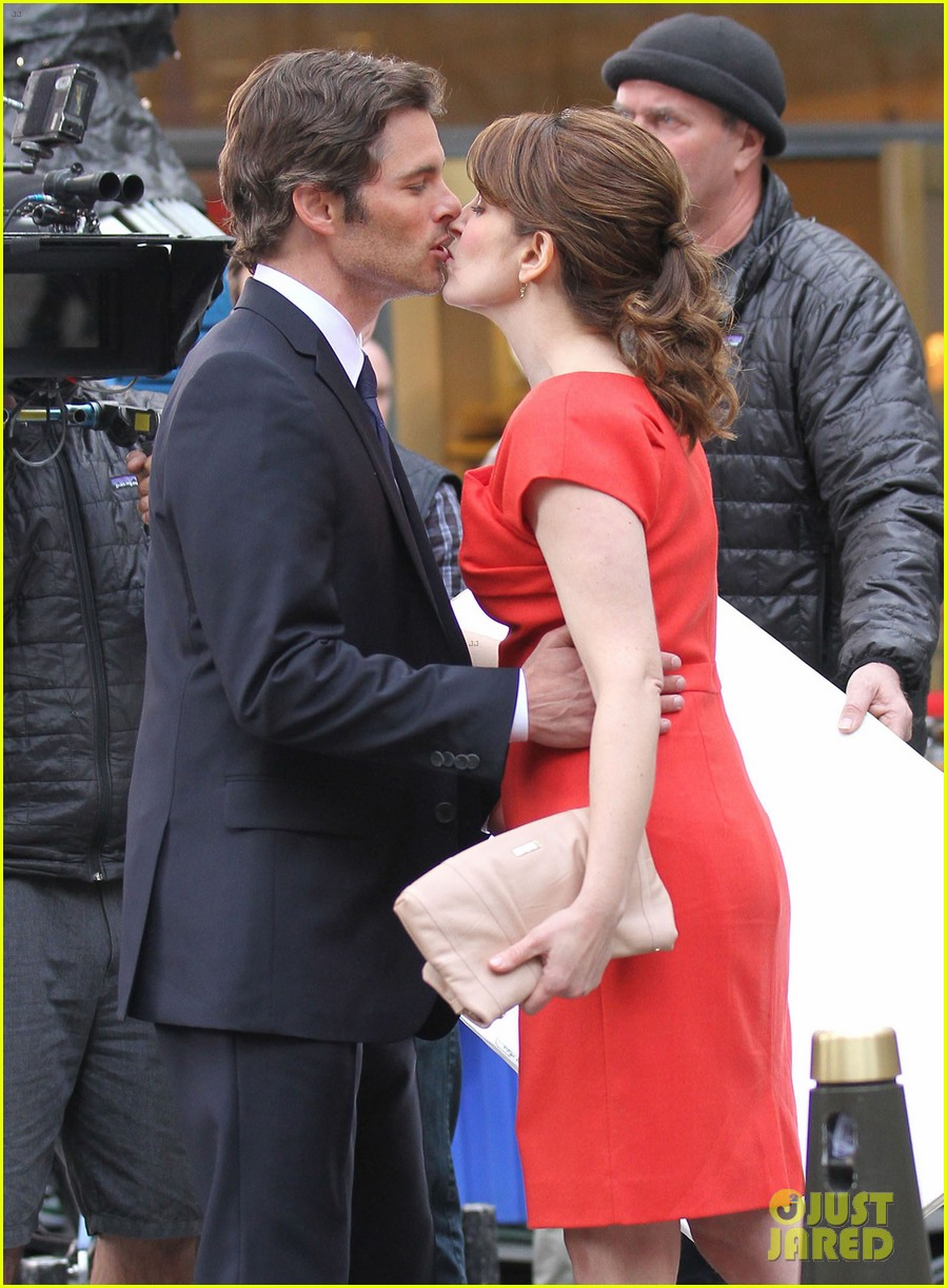 james marsden tina fey kiss on 30 rock set 102647148