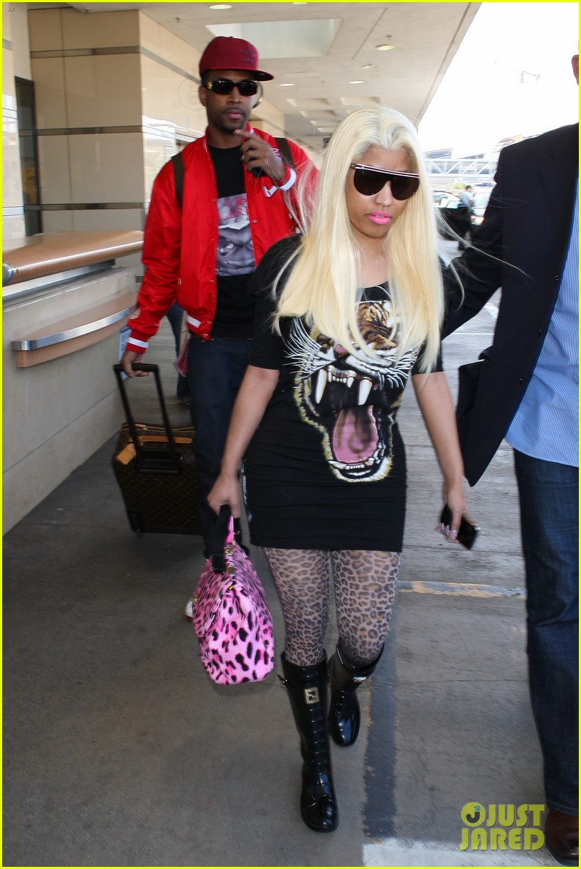 nicki minaj safaree samuels lax arrival 082646607