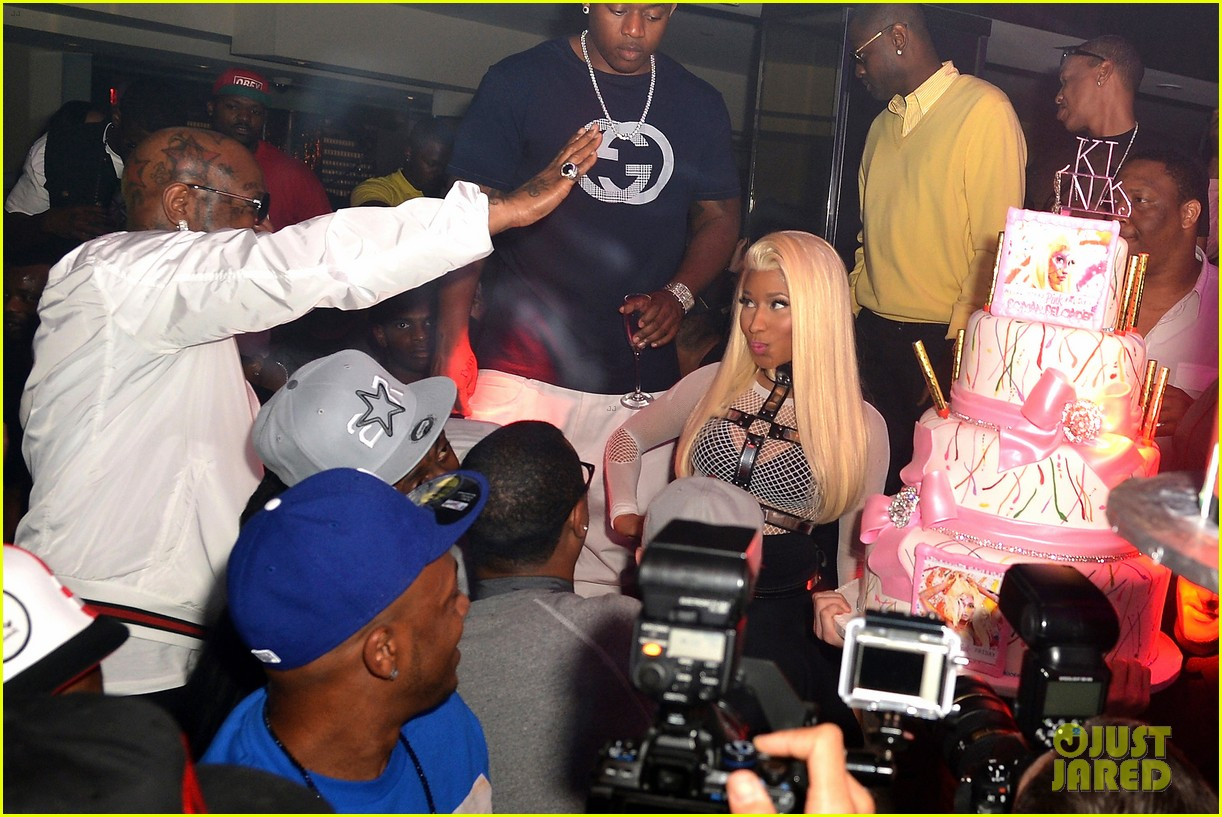 nicki minaj party 01