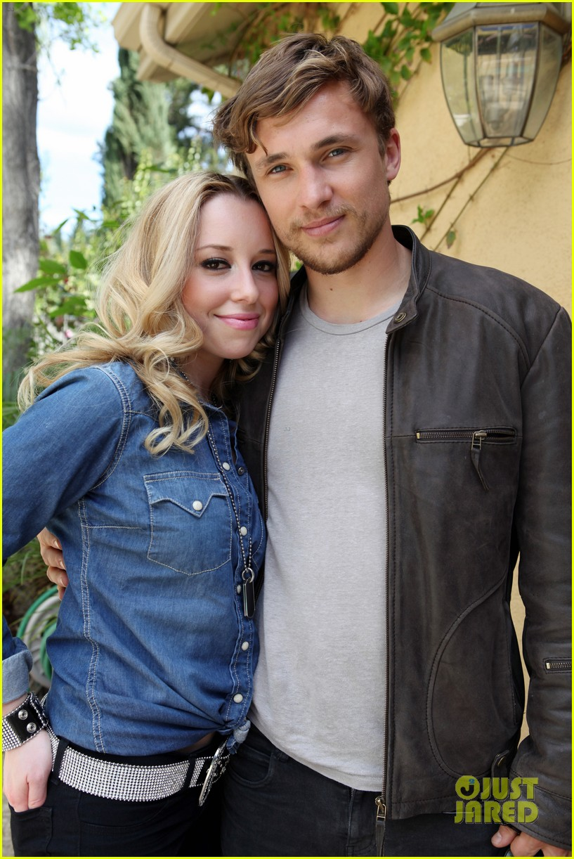 william moseley bonnie paul it was love now its war 01