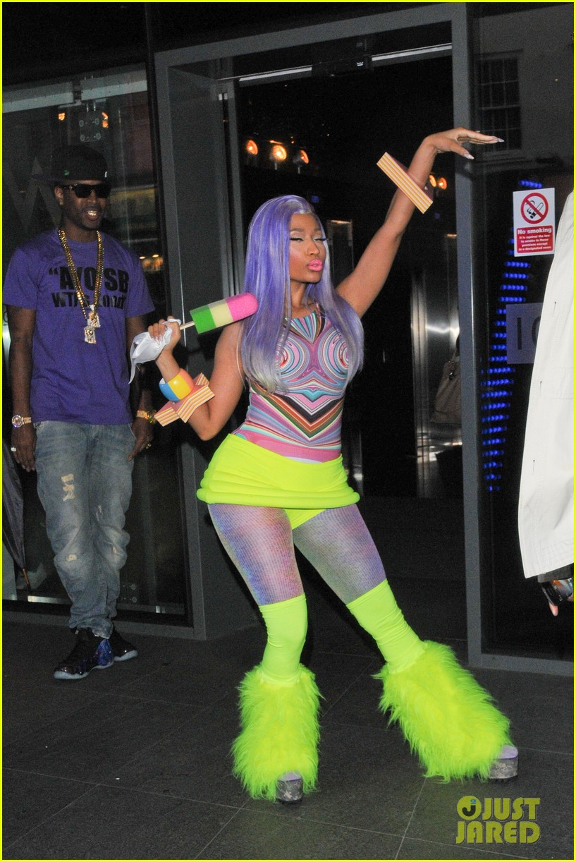 nicki minaj neon ankle warmers 02