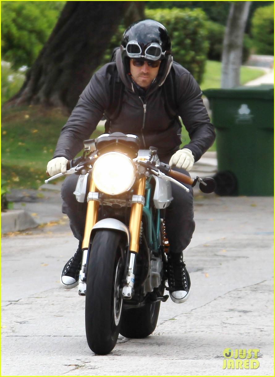 ryan reynolds motorcycle man 02