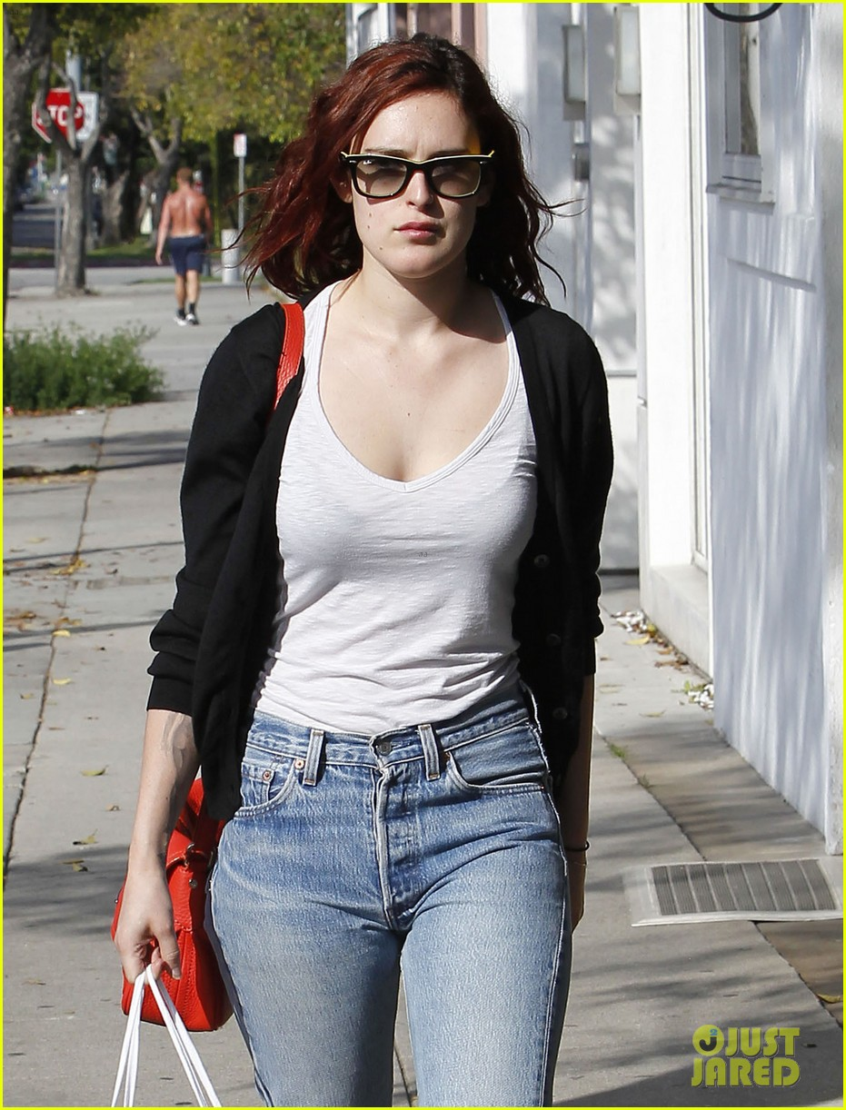 rumer willis salon shopping 02