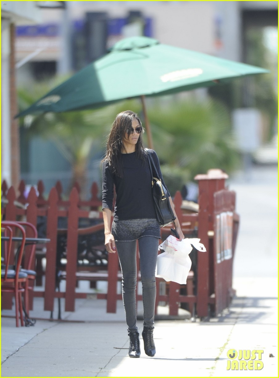 zoe saldana lunch 03