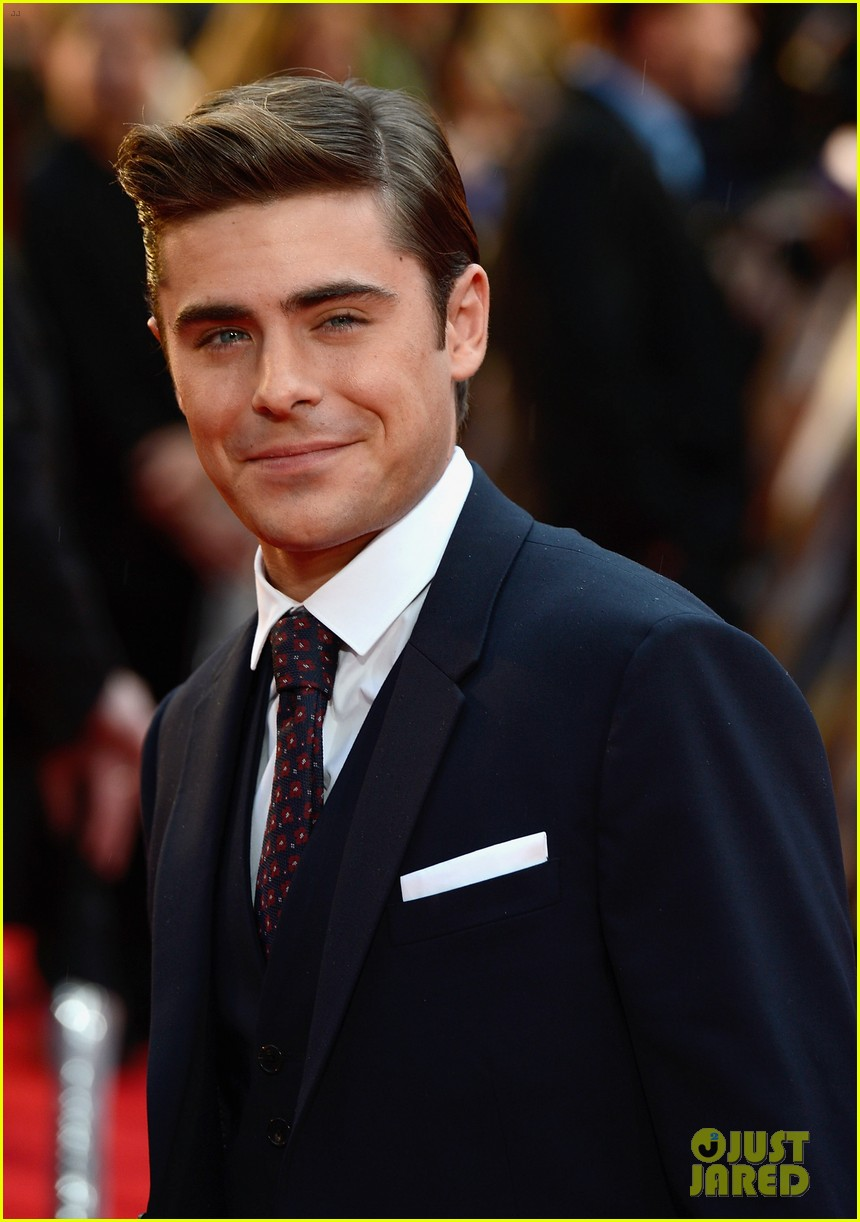 zac efron taylor schilling lucky one london 02