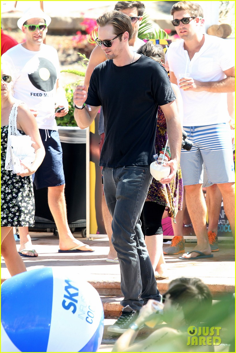 alexander skarsgard skyy escape at coachella 01