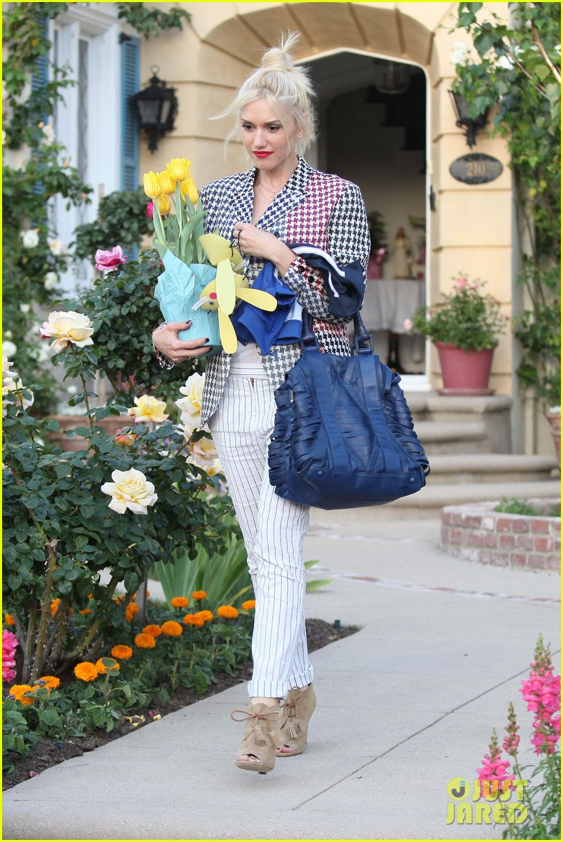 Gwen Stefani: Easter Sunday With the Family! Gwen Stefani