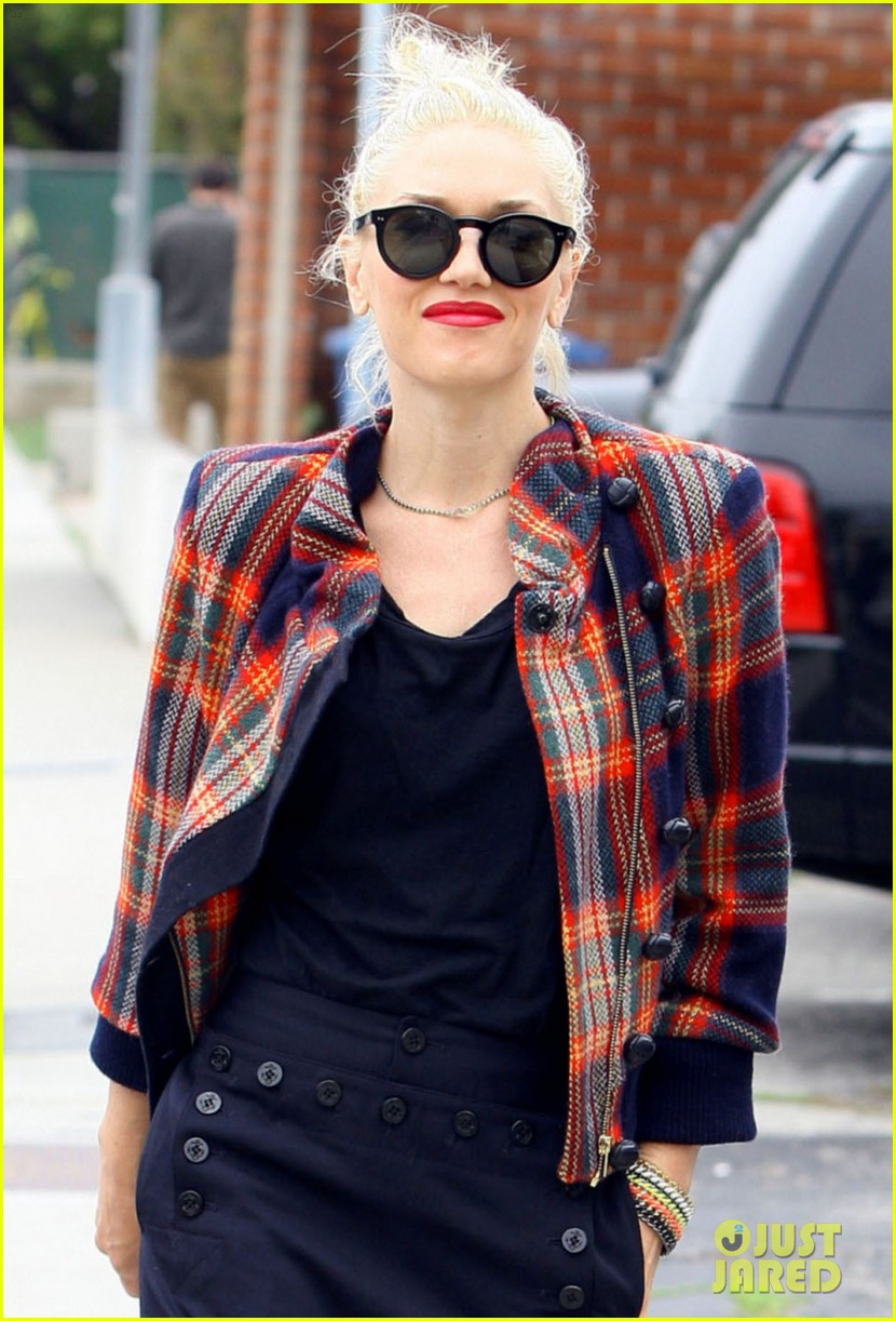 gwen stefani plaid jacket 06
