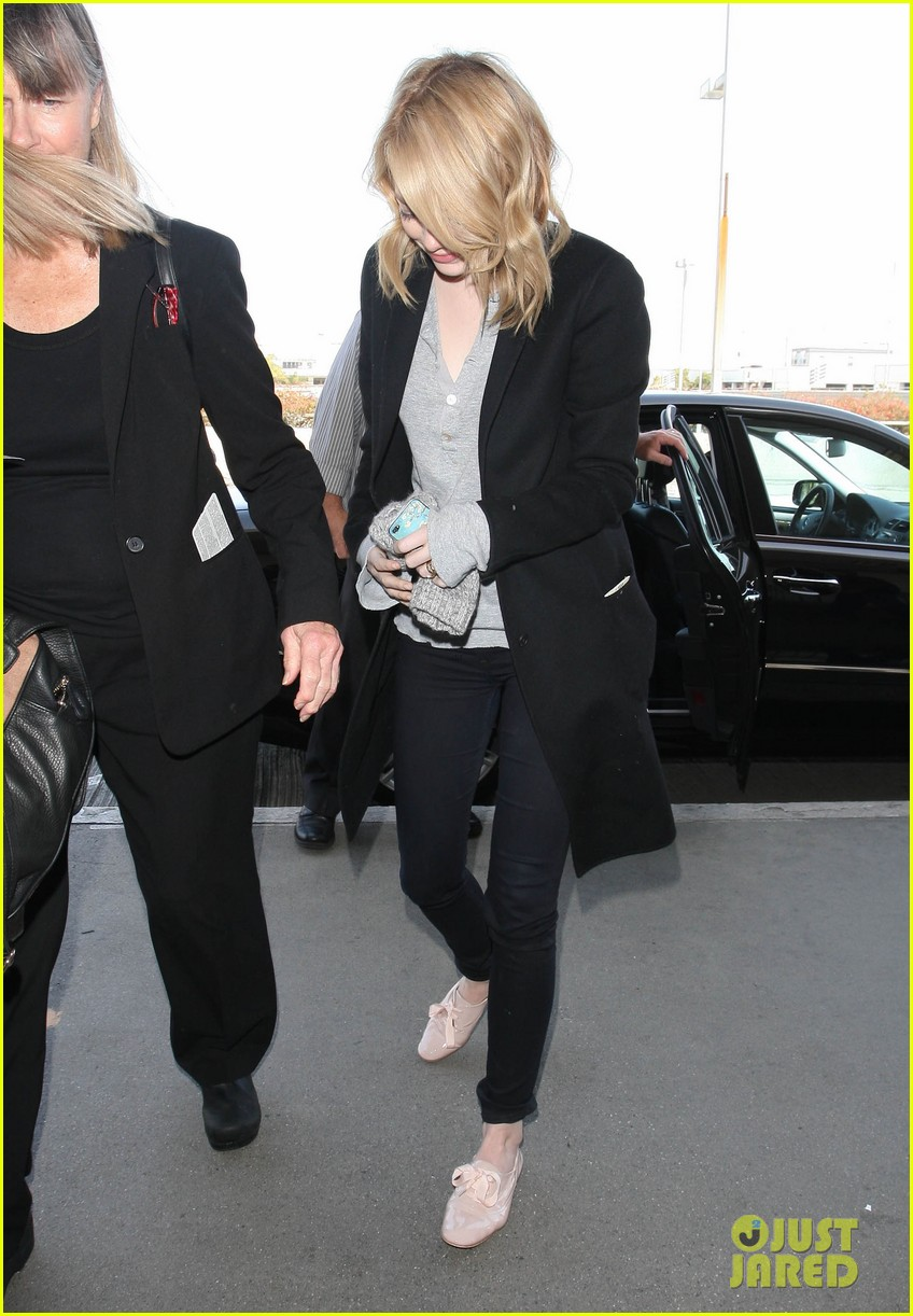 emma stone head down lax 022646106