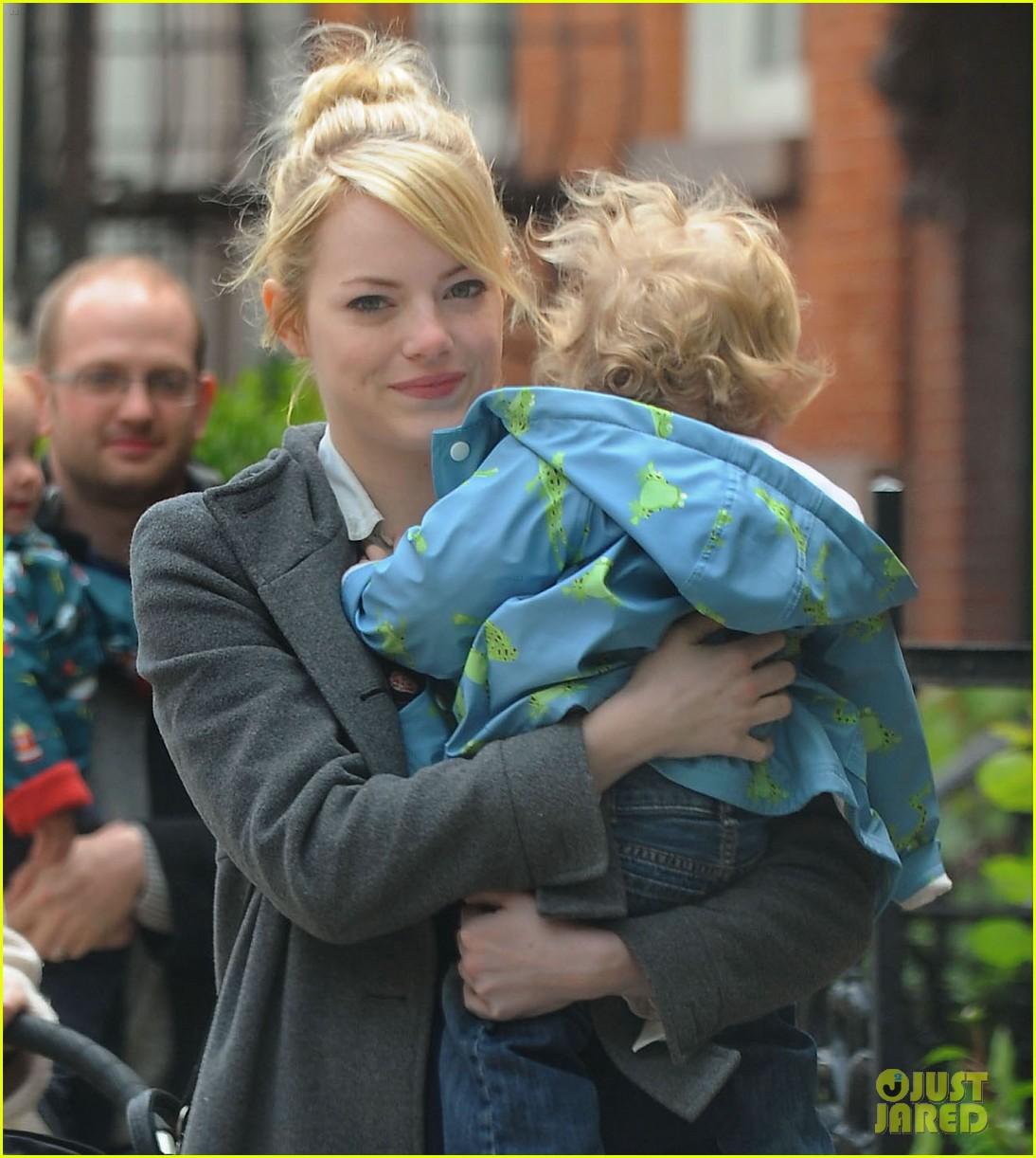emma stone holding baby 02
