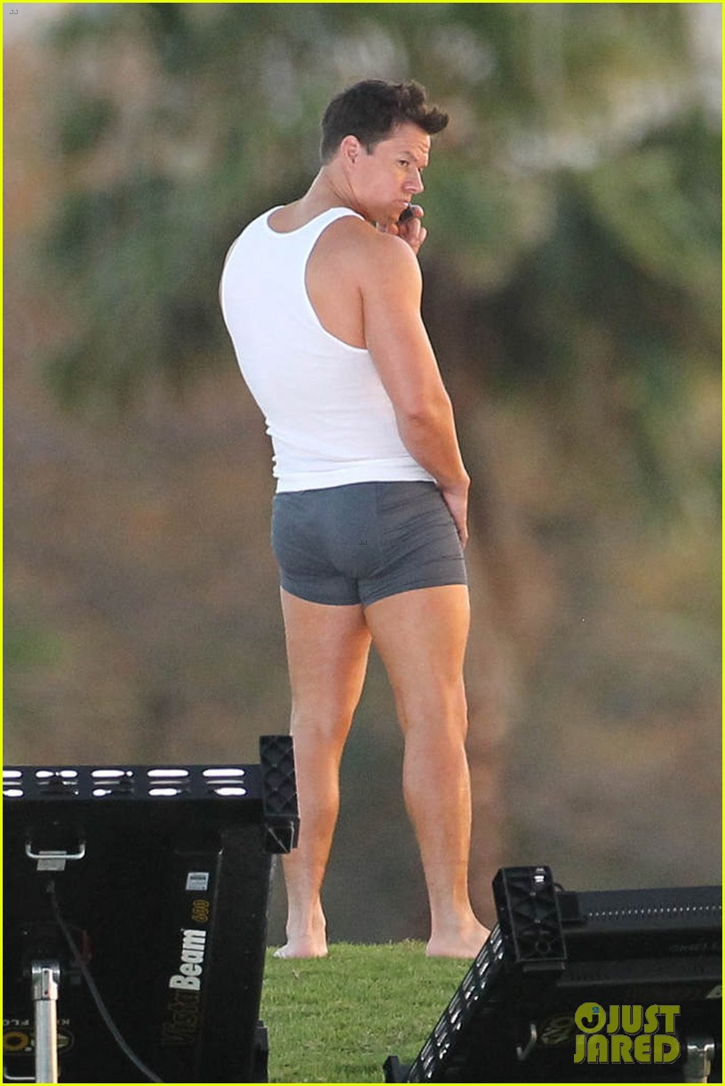 mark wahlberg in underwear for pain gain 08
