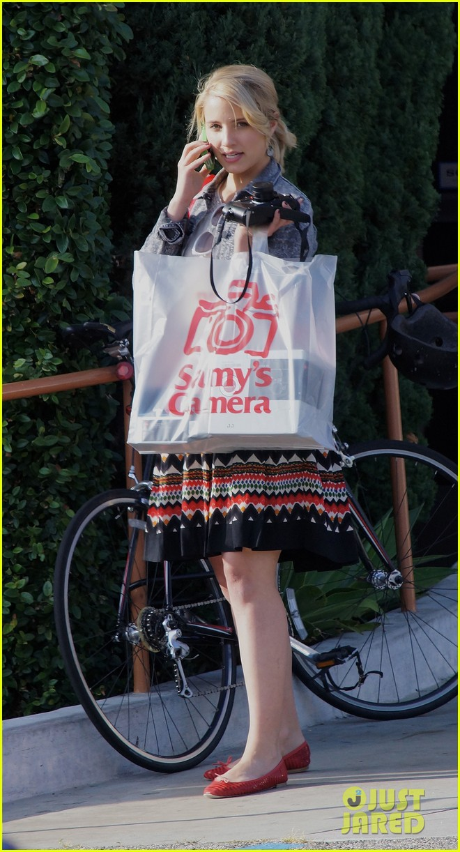 dianna agron camera shopping 11