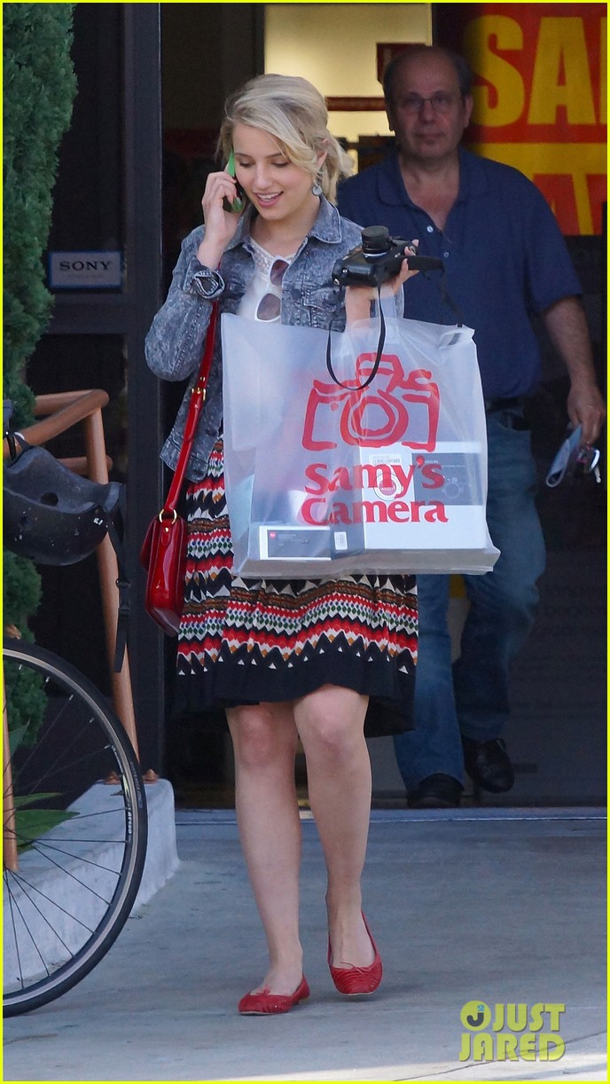 dianna agron camera shopping 12
