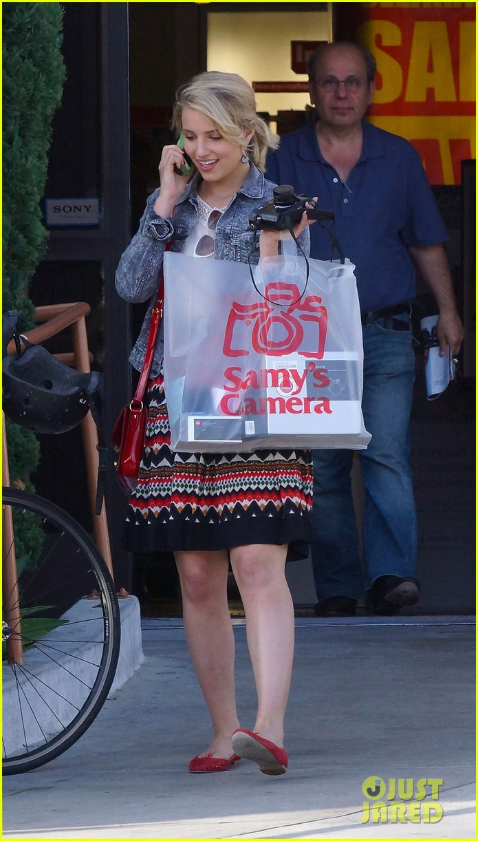 dianna agron camera shopping 13