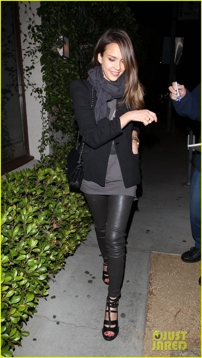 jessica alba date night with cash warren 10