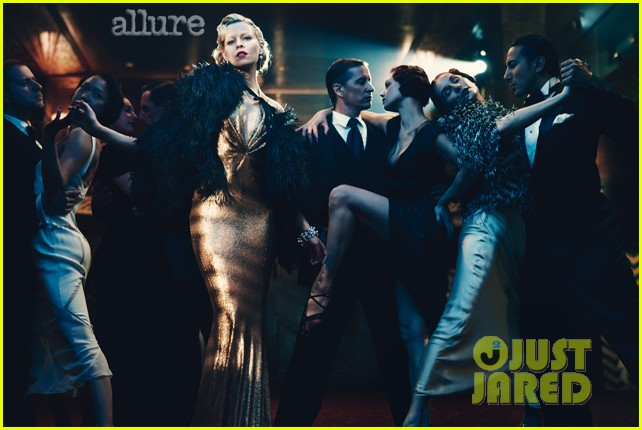 elizabeth banks covers allure june 2012 01