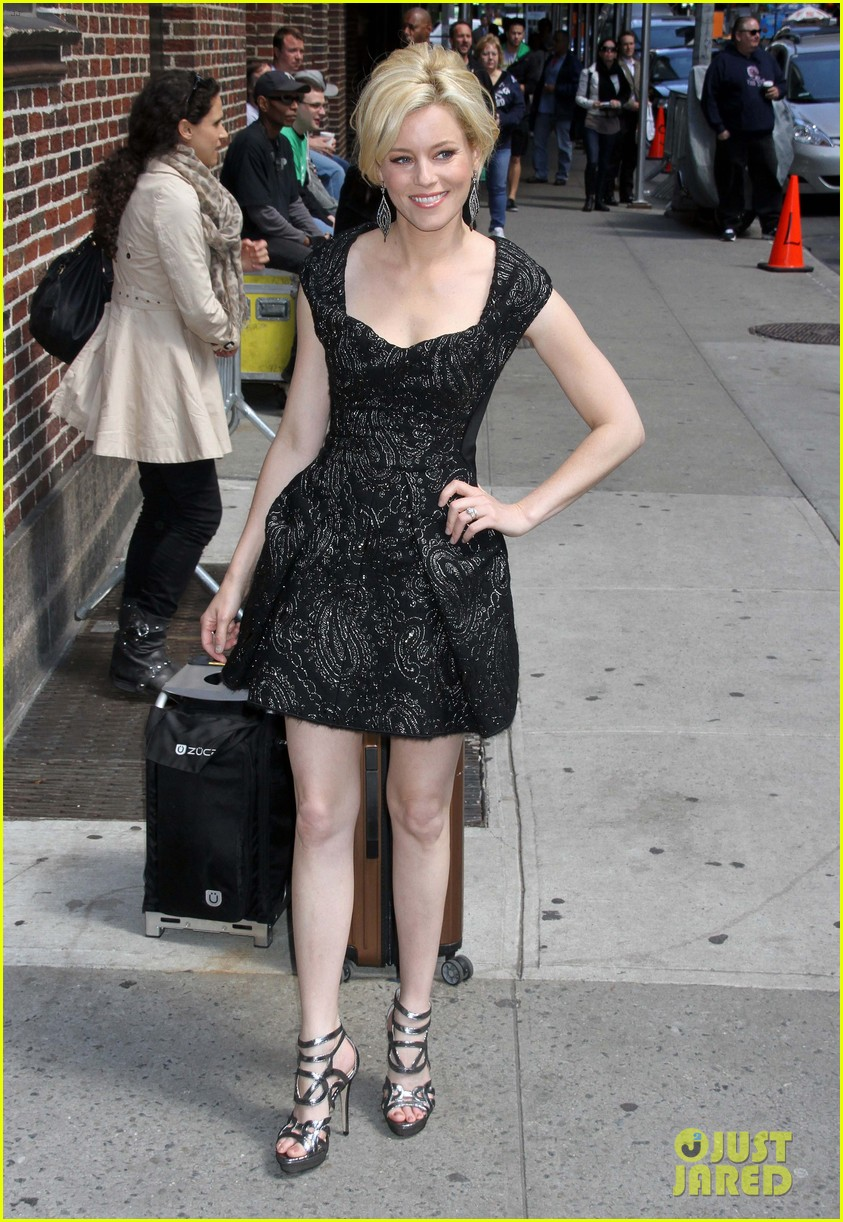 elizabeth banks late show appearance 05
