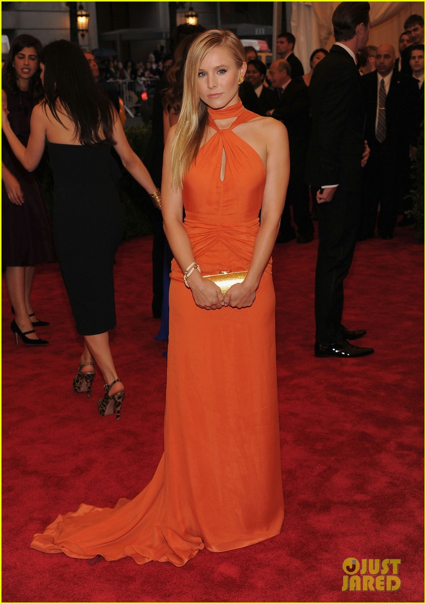 kristen bell met ball 2012 with dax shepard 01