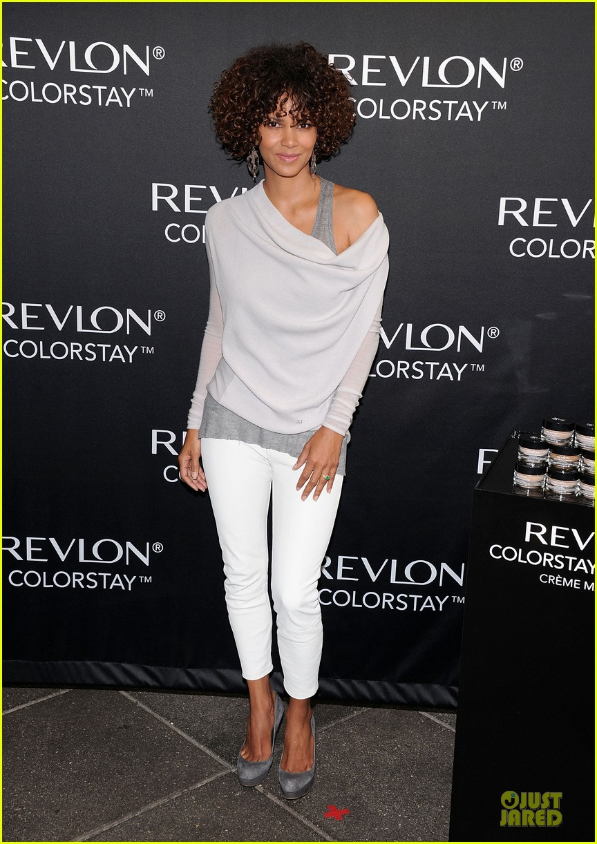 halle berry revlon launch 06